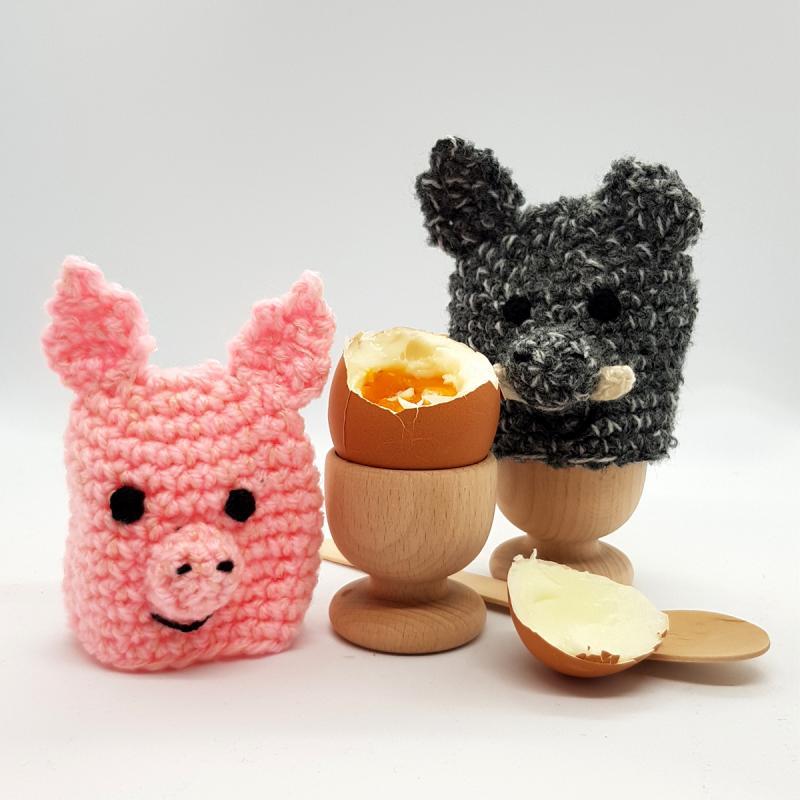 Eierwärmer-Set . gehäkelt. Jedes Schwein ein Unikat!