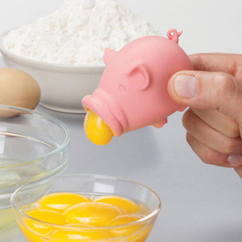 Yolk Pig. Eigelbtrenner Schwein .  by Peleg